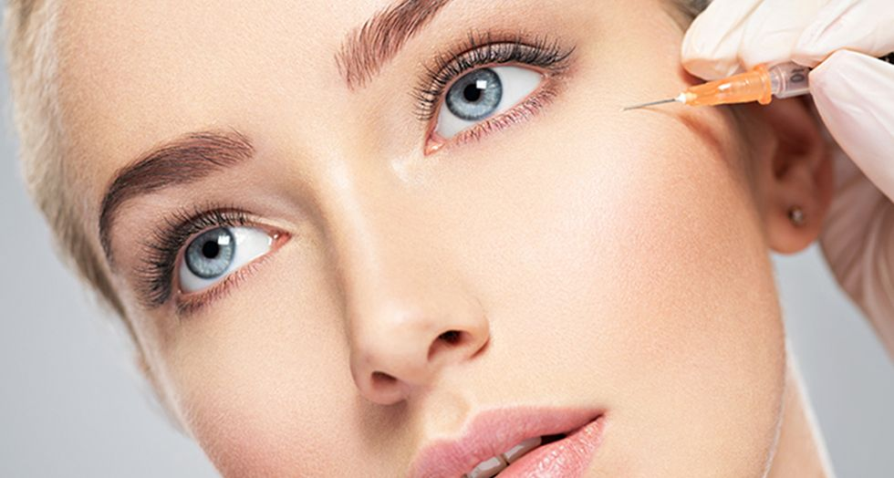 A Botox eyebrow lift is perfect for those of us with significantly sagging skin, who want a quick solution without resorting to cosmetic surgery.